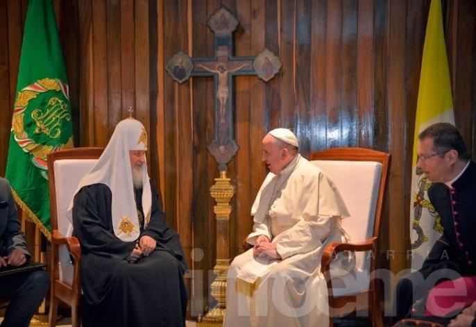 Histórico: El Papa se reunió con el patriarca ortodoxo ruso