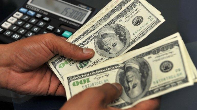 El dólar sigue subiendo y ya supera los $15 en la City