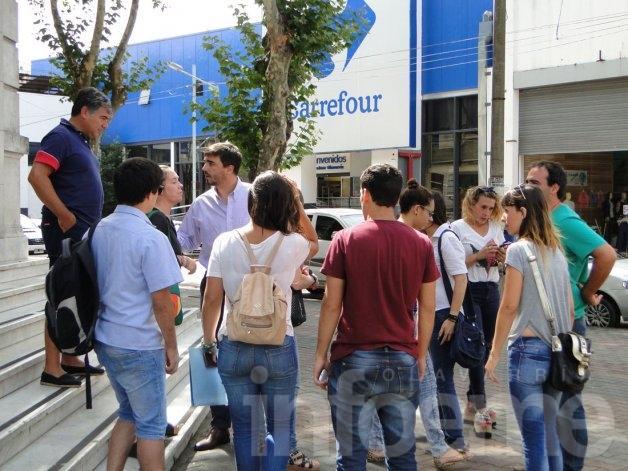 Galli recibe a los trabajadores despedidos del CDR
