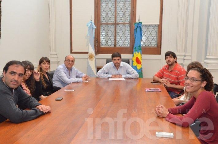 Trabajadores del CDR pasarán al Municipio y otras áreas del Estado
