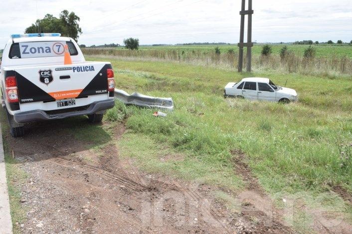 Autovía ruta 226: volcó un auto y el conductor resultó ileso