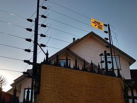 Quieren legalizar los cercos eléctricos en las casas