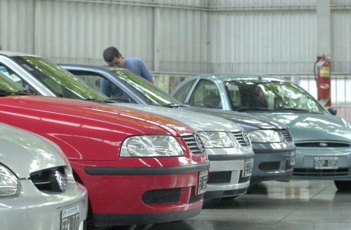 Cayó casi 12% la venta de autos usados en enero