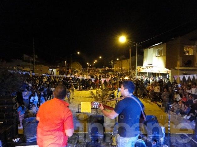Convocados por el Pujillayal, el barrio Obrero celebró el Carnaval Abajeño
