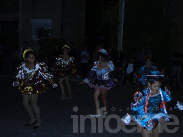 """Los """"Comodines de Febrero"""" le dieron el 1° carnaval al barrio Fonavi"""