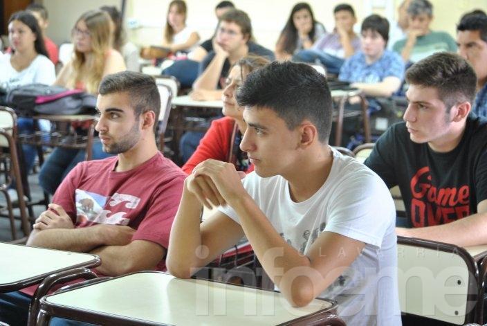 Más de 120 estudiantes comenzaron en la Facultad de Sociales