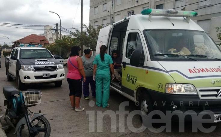 Un hombre se cayó de su moto y fue trasladado al Hospital