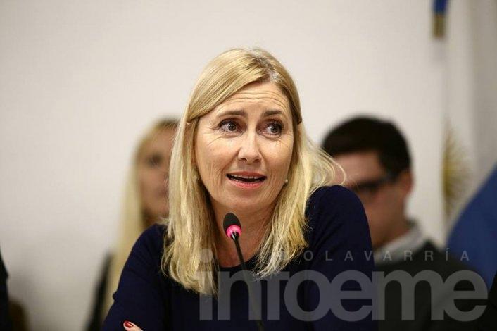 Liliana Schwindt solicitó a dos entidades bancarias locales más cajeros