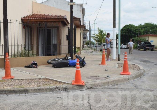 Accidente: un motociclista trasladado al Hospital con heridas de consideración