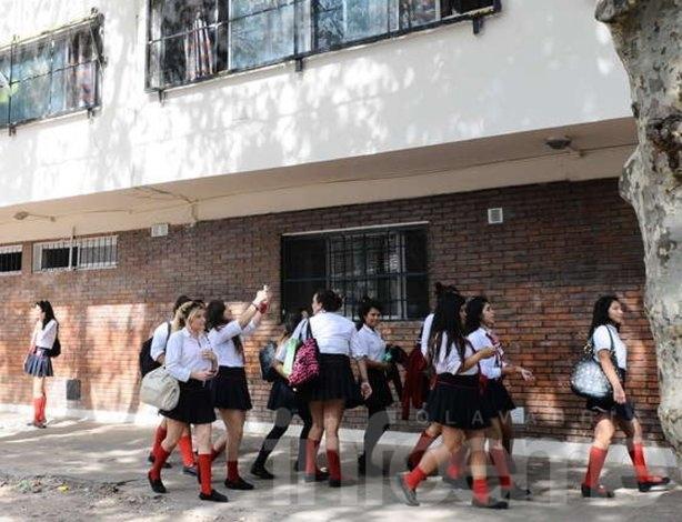 Fijan topes para cuotas de escuelas privadas subsidiadas por la Provincia