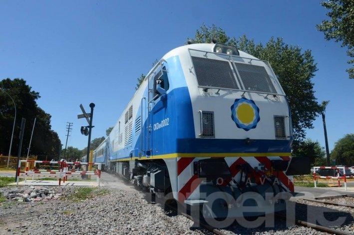 Valicenti pide explicaciones sobre la reactivación de los trenes