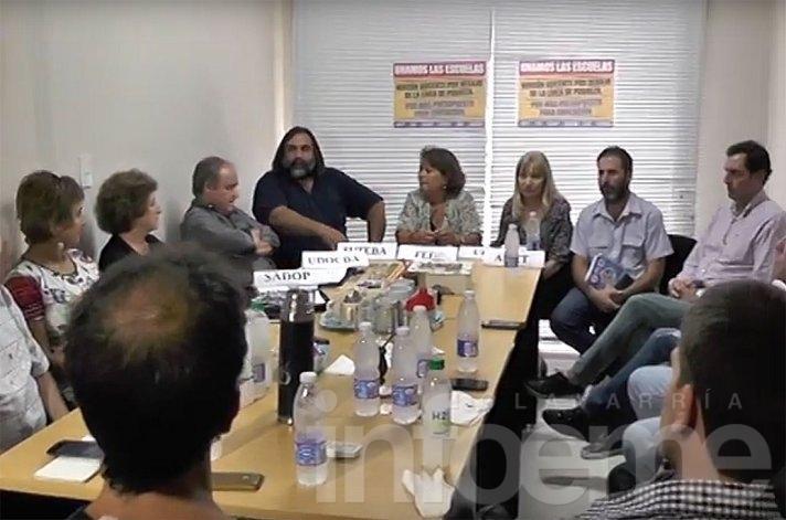 Gremios docentes se unieron y piden nueva convocatoria a paritarias