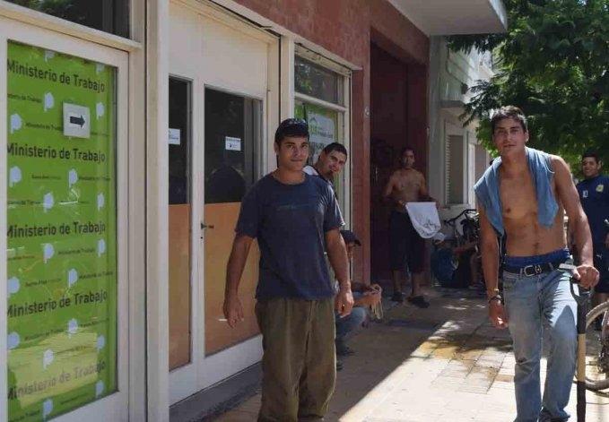 Reclamo de trabajadores cuarto intermedio hasta el viernes for Cuarto intermedio