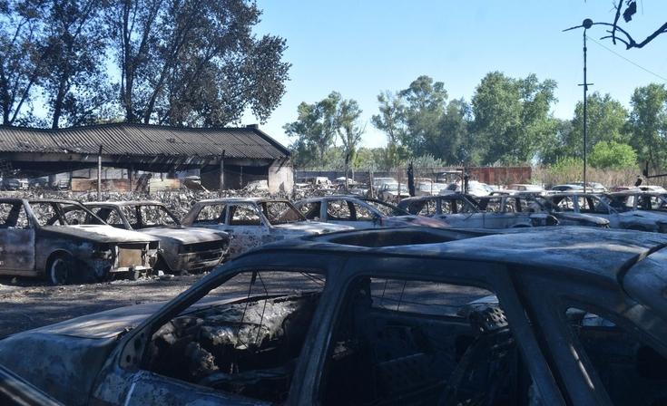 Así quedaron los vehículos en el depósito judicial tras el incendio