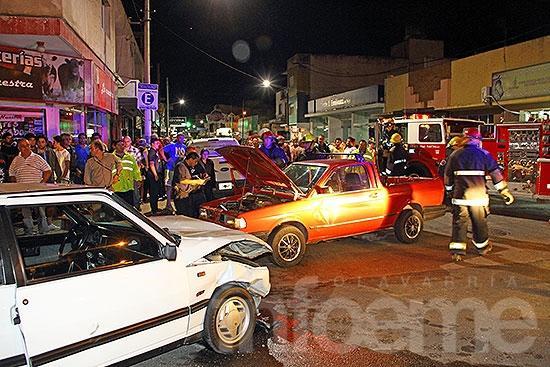 Impactante colisión en avenida Pringles: una mujer herida