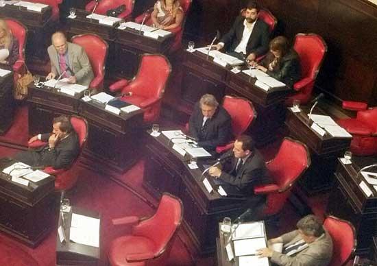 Vitale presidirá la Comisión de Legislación en el Senado