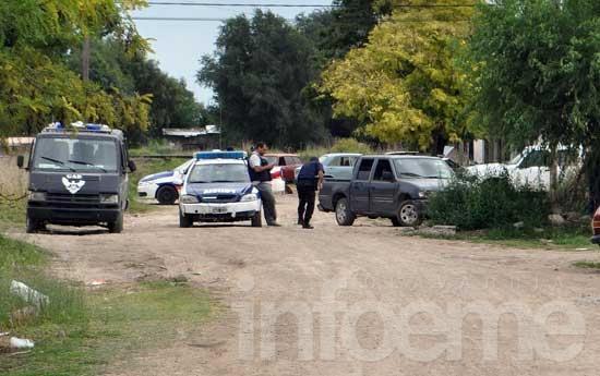 Tres detenidos, armas y dinero secuestrado en allanamientos