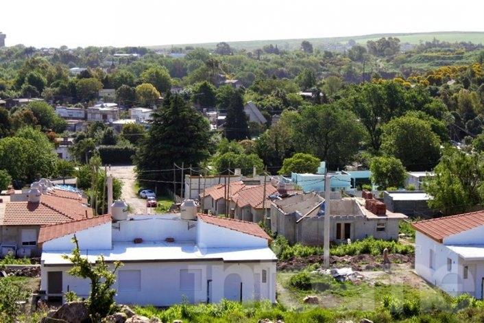 Con la entrega de seis casas, se inaugurará el Barrio Químico