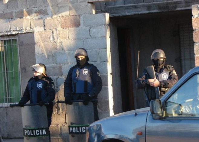 """Desarticulan banda de """"pirañas"""" que robaba a vecinos del barrio Coronel Dorrego"""