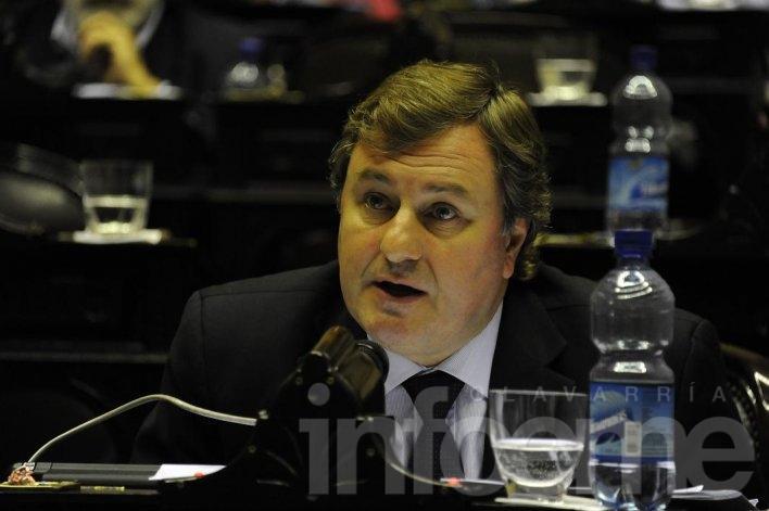 Duclós responsabilizó a Randazzo por el estado de los trenes de la Provincia