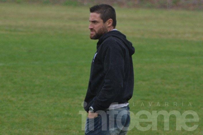 Mauricio Peralta confirmó los once para recibir a Huracán