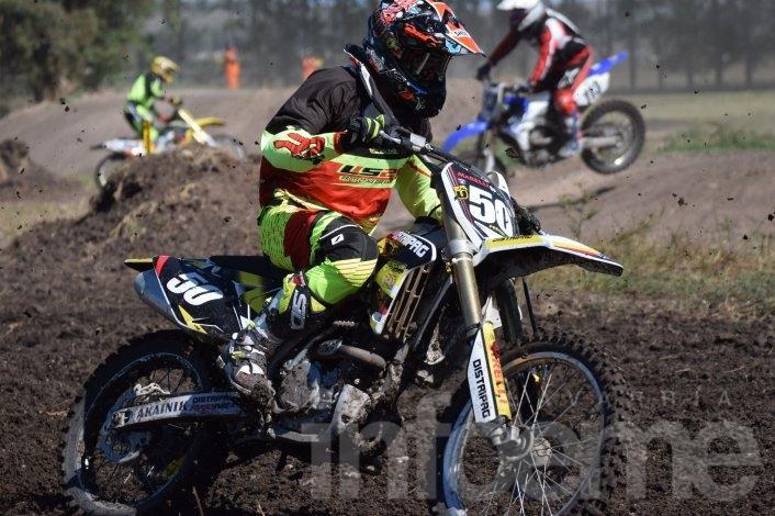 """El Motocross tuvo su fiesta en el """"Unión de dos pueblos"""""""