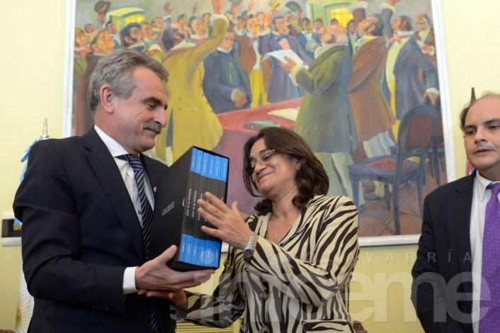 El ministro Rossi entregará 280 actas de la Junta Militar en Olavarría