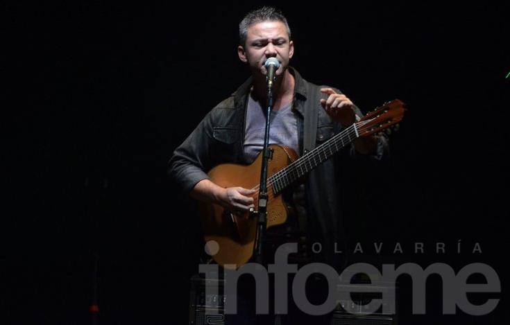 Raly Barrionuevo ofreció un recital de lujo en el Teatro Municipal
