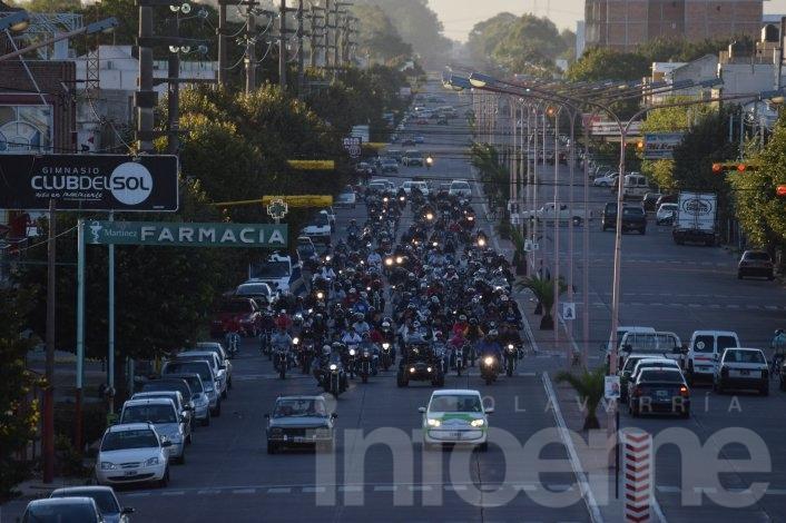 """Numerosa caravana del """" Tercer Motoencuentro"""" recorrió la Ciudad"""
