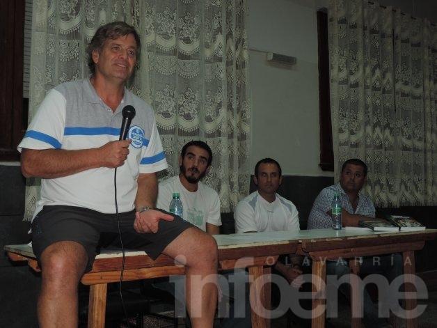 Más de cien personas en la charla de Horacio Anselmi
