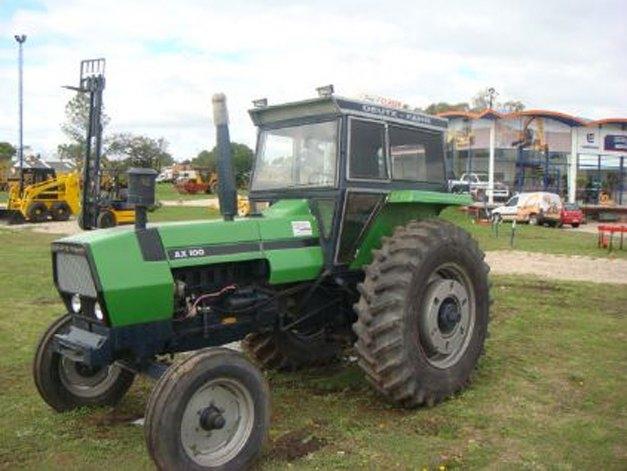 Robaron un tractor de un campo en Hinojo