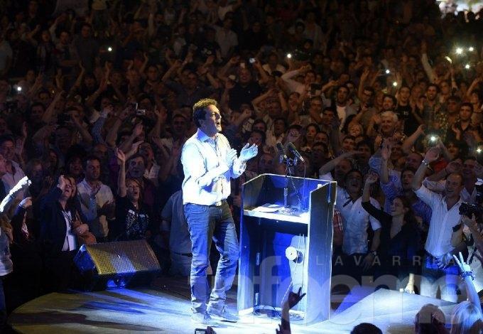 Un centenar de dirigentes y militantes locales en el acto de Massa