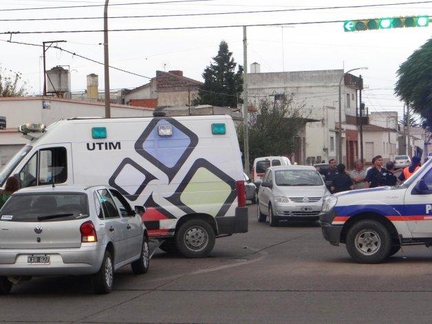 Una mujer herida en choque entre dos autos