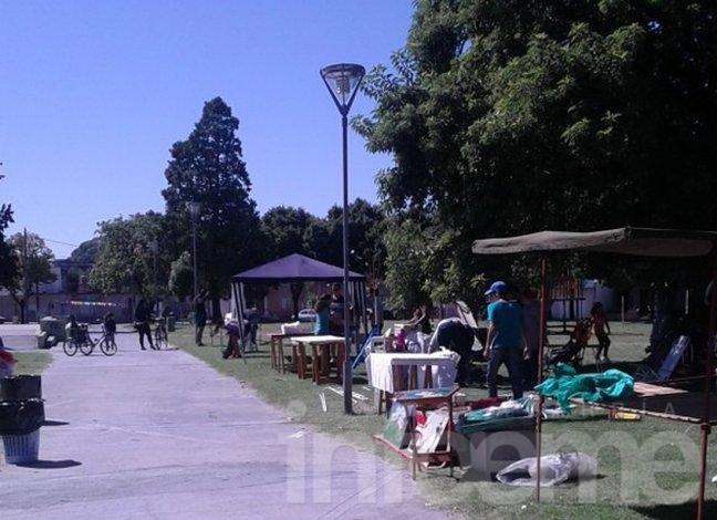"""Tras idas y vueltas, """"La Minga"""" expone en plaza central"""