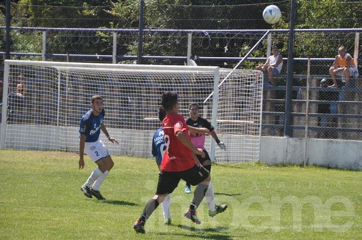 Racing arrancó el Local con goleada