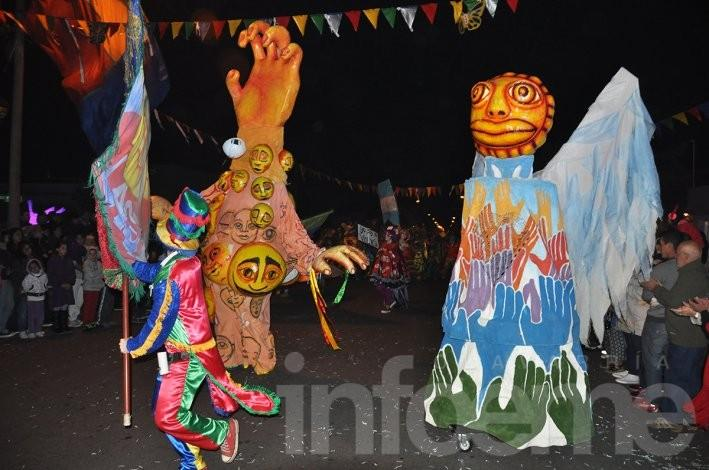 Murga y carnaval en el barrio Hipólito Yrigoyen