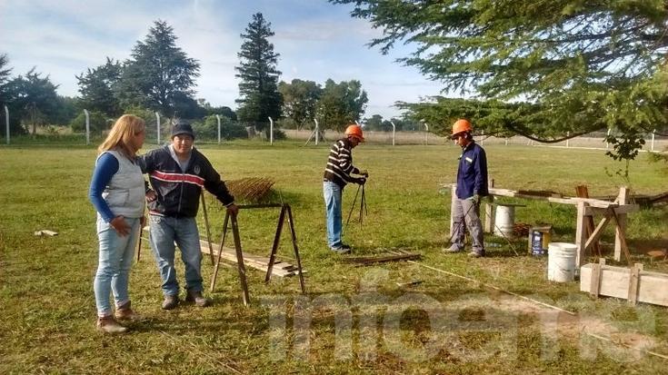 Margarita Arregui recorrió las obras de construcción de los Dormis de Talleres Protegidos