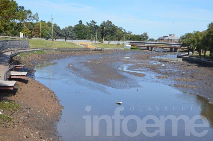 Se realiza la limpieza del arroyo en la zona del ex balneario municipal
