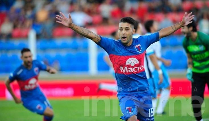 Janson la rompió ante Atlético Tucumán