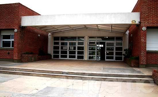 Llamado para selección de docentes en el Polimodal Universitario
