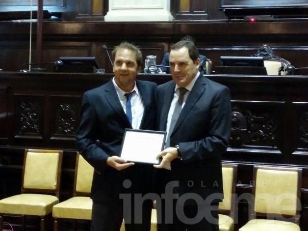 Héctor Vitale recibió el Premio Parlamentario