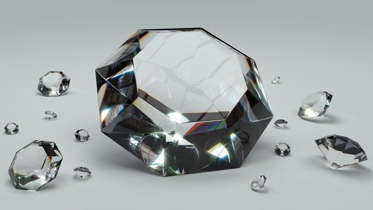 Invertir en diamantes, ¿es una opción viable?