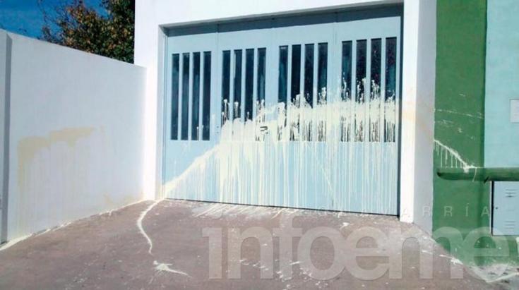 Coopelectric fue víctima de pintadas en una de sus sedes