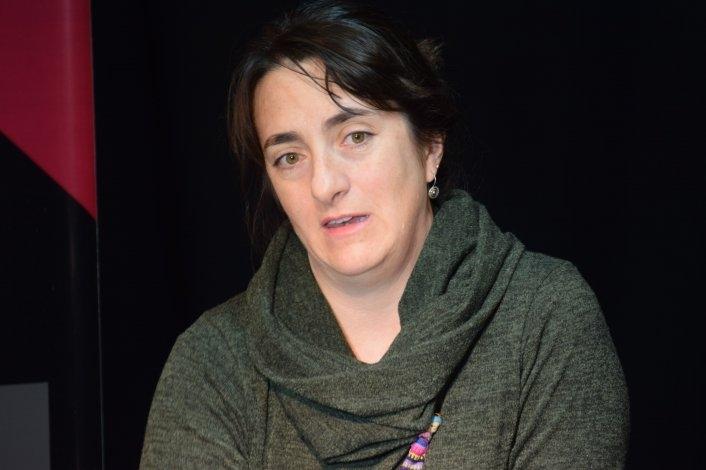 Fernanda Moraga no sigue en la Escuela de Teatro
