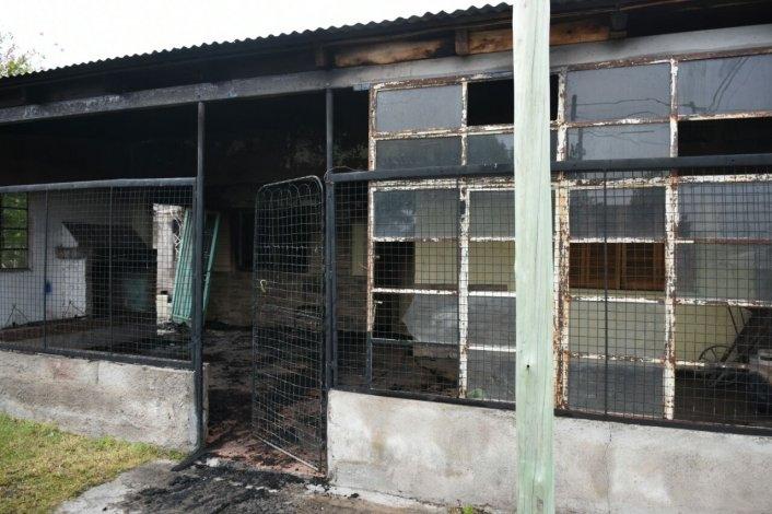 Daños totales en una vivienda tras un incendio