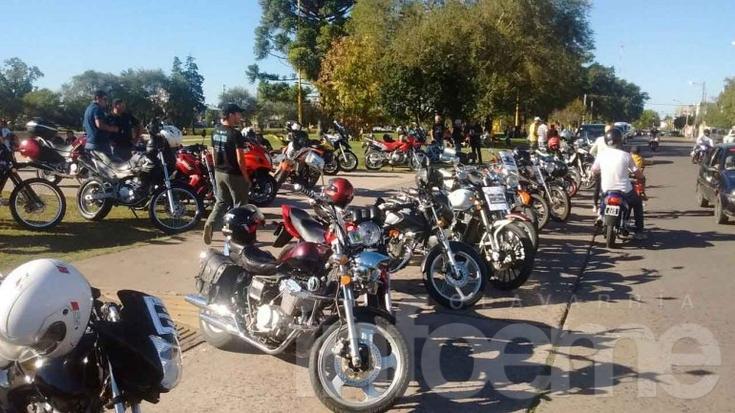 Motociclistas se concentraron y reclamaron contra decreto de Macri