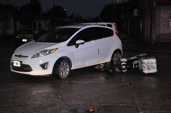 Un motomandados herido en un choque