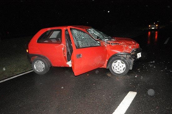 Dos heridos en fuerte choque por alcance entre auto y camión