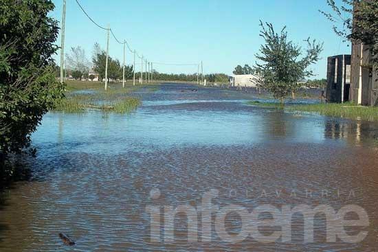 Evacuaron a ocho familias en Recalde por inundaciones