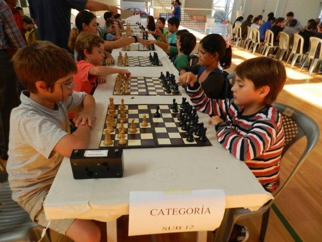 La Escuela Municipal de Ajedrez participó del Prix Provincial